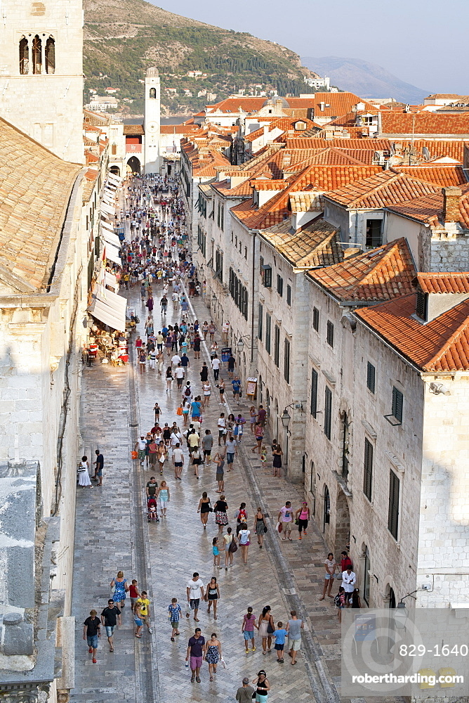View down Stradun (Placa), the main street in the old town in the city of Dubrovnik, UNESCO World Heritage Site, Adriatic Coast, Croatia, Europe