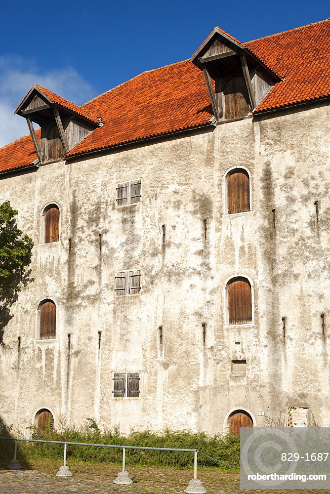 Building in the old town in Tallinn, UNESCO World Heritage Site, Estonia, Baltic States, Europe