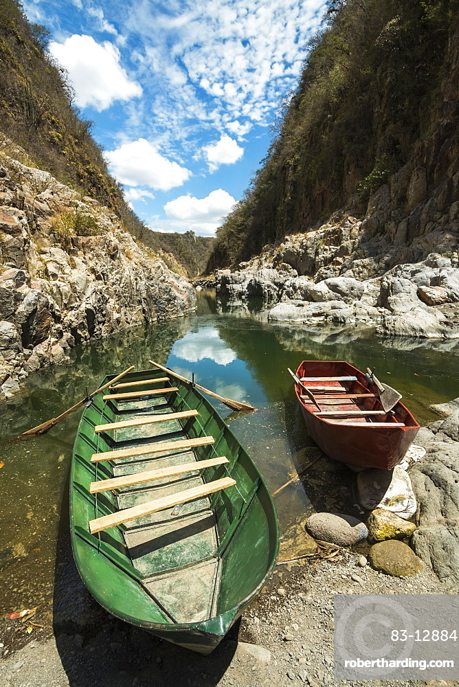 Boat navigable part of the Coco River before it narrows into the Somoto Canyon National Monument, Somoto, Madriz, Nicaragua, Central America