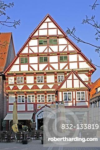 Half-timbered house, City Cafe Aelja, Baeckerstrasse, Hameln, Weserbergland, Weser Uplands, Lower Saxony, Germany, Europe