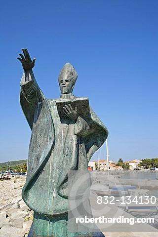 Statue of St Nicholas in the harbour of Sucuraj, island of Hvar, Adriatic Coast, Croatia, Europe