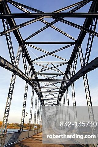 Old Harburg Elbe Bridge, south side, iron bridge, historic portal bridge built from 1897 to 1899, district of Harburg, Hanseatic City of Hamburg, Germany, Europe