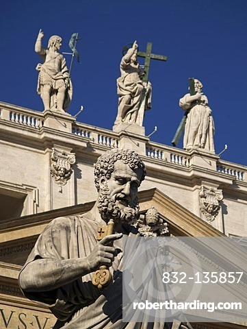 Statue of Saint Peter, St. Peter's Basilica, Rome, the Vatican, Italy, Europe