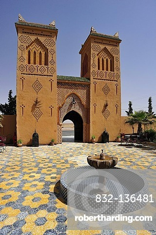 Kasbah-styled building with traditional ornaments and patterns of the Berbers, with courtyard and fountain, Hotel Kasbah Asmaa, Morocco, Africa