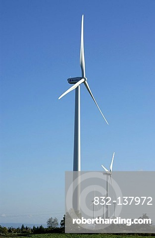 Wind turbines of the Ally Mercoeur windfarm, Departement Haute-Loire, France, Europe