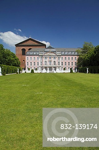 View over the Palace Gardens of the Electoral Palace in Trier, Rhineland-Palatinate, Germany, Europe