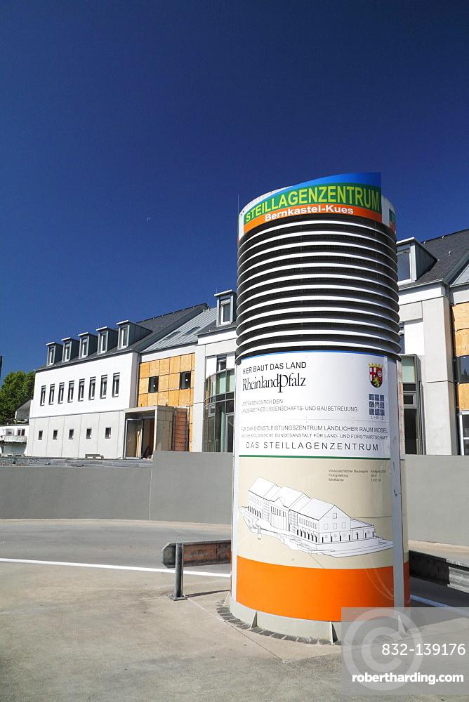 View of the construction site of the Steillagenzentrum, Bernkastel-Kues, Rhineland-Palatinate, Germany, Europe