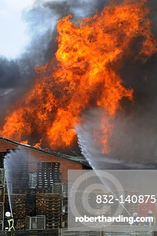 Large fire at a storehouse, Wildeshausen, administrative district of Oldenburg, Lower Saxony, Germany, Europe