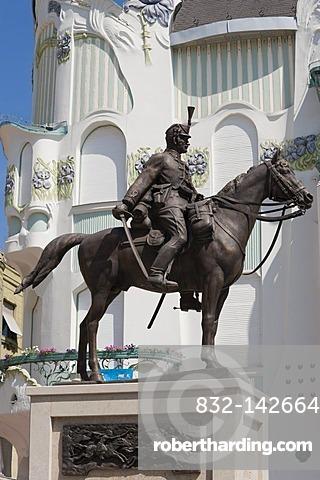 Equestrian statue, hussar memorial, Reok Palais, Szeged, Hungary, Europe