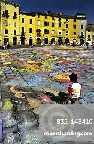 Piazza dell'Anfiteatro square, Lucca, Tuscany, Italy, Europe