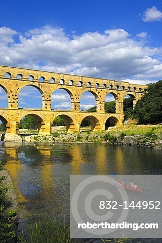 Pont du Gard, Roman aqueduct, Gard department, Provence, France, Europe