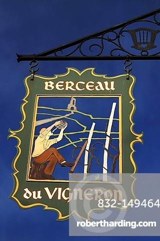 Sign of Berceau du Vigneron hotel, 4 rue du Tir, Turckheim, Alsace, France, Europe