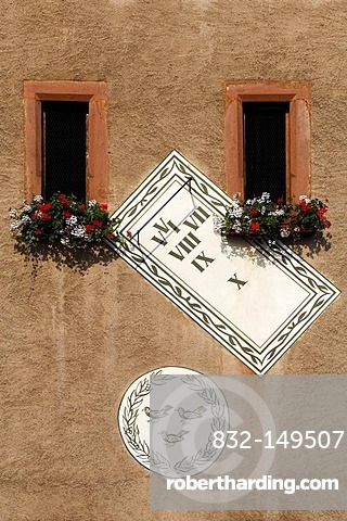 Sundial on the Obertor old gate tower, Grand'Rue, Ammerschwihr, Alsace, France, Europe