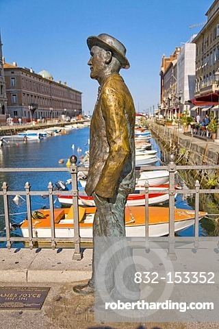 James Joyce statue on the Canal Grande, Grand Canal, Triest, Italy, Europe