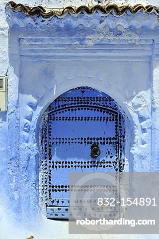 Blue front door with a door knocker, Chefchaouen, Rif Mountains, Northern Morocco, Morocco, Africa