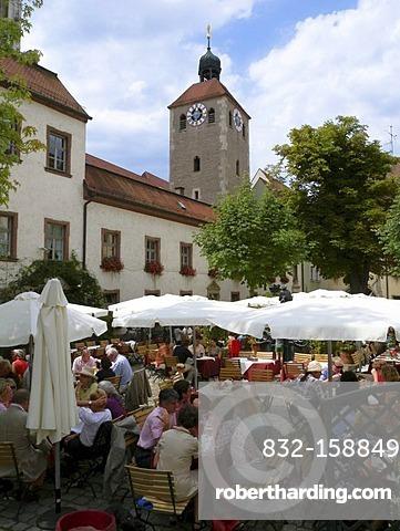 Bischofshof beer garden restaurant, historic centre of Regensburg, UNESCO World Heritage Site, Bavaria, Germany, Europe