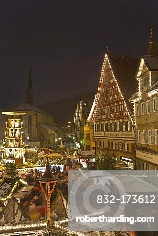 Christmas market on the market square, market stalls, winter, snow, Esslingen, Baden-Wuerttemberg, Germany, Europe