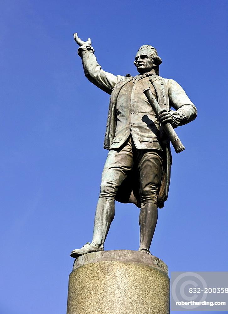 Statue of Captain James Cook, Hyde Park, Sydney, New South Wales, Australia
