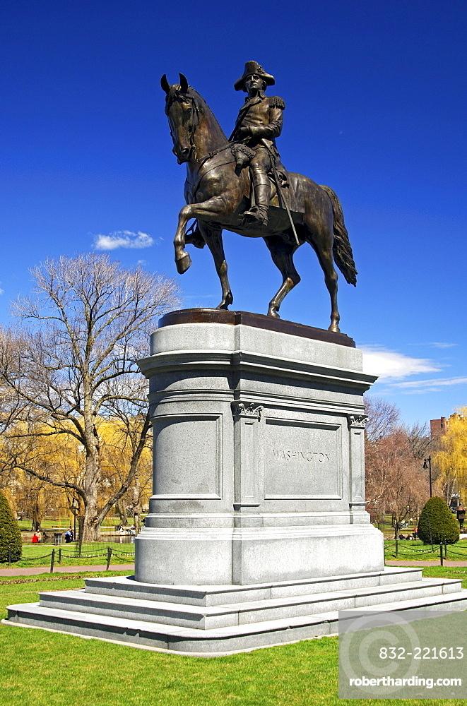 George Washington equestrian statue in the municipal park of Boston, Massachusetts, USA