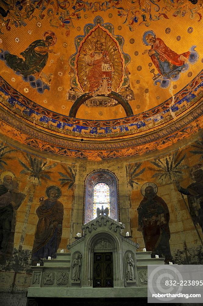 Interior shot of St. Johanniskirche, St. John's church, neo-Romanesque, choir room, murals by Carl Dehner, Schwaebisch Gmuend, Baden-Wuerttemberg, Germany, Europe