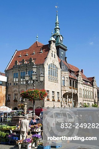Market, Market Square and Town Hall, Bueckeburg, Weserbergland, Lower Saxony, Germany, Europe