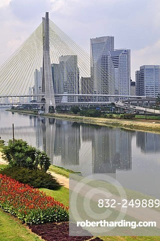 Octavio Frias de Oliveira Bridge, inaugurated on 10 May 2008, Rio Pinheiros, Morumbi district, Sao Paulo, Brazil, South America