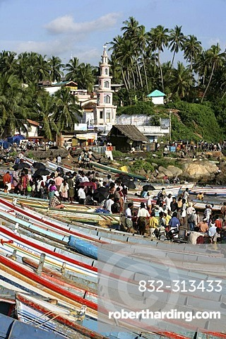 IND, India, Kerala, Trivandrum : Fishing village Vizhnijam, south of Trivandrum. Base for many fishermen and their boats. Fish market. |