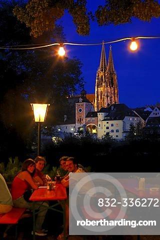 Beergarden Alte Linde, Regensburg, Upper Palatinate, Bavaria, Germany