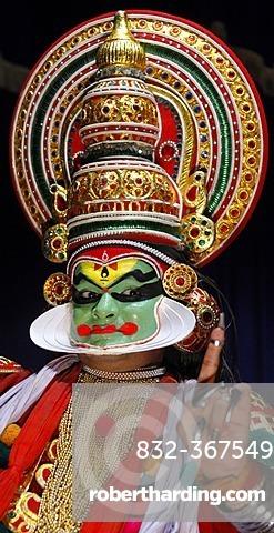 Kathakali, Kathakai dancer, temple dance, Kerala Kathakali Centre, Kochi, Ernakulam, Fort Cochin, Vypan, Ochanathuruthu, India, Asia