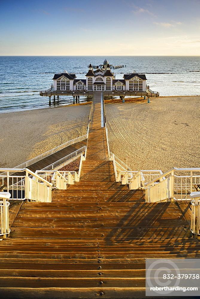 Pier on the beach, Seebad Sellin, Rugen, Mecklenburg-Western Pomerania, Germany, Europe