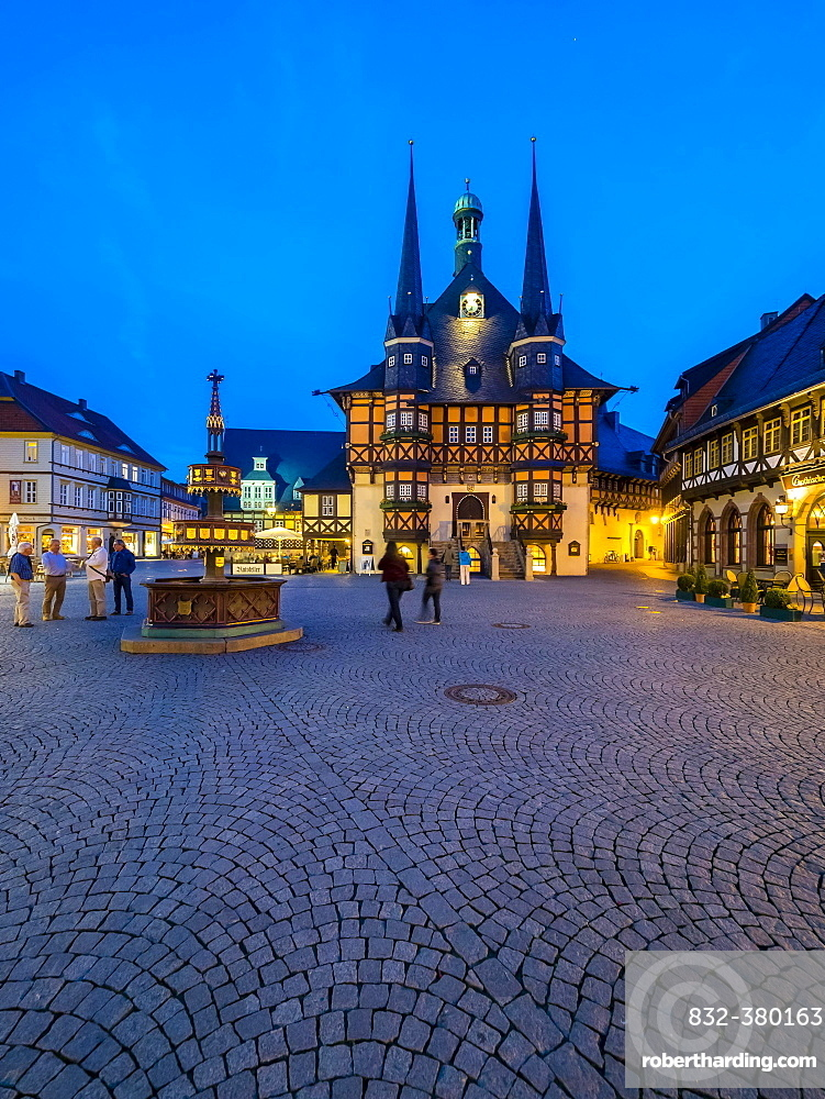 Market Square and Town Hall at dusk, historic centre, half-timbered houses, Wernigerode, Harz, Saxony-Anhalt, Germany, Europe