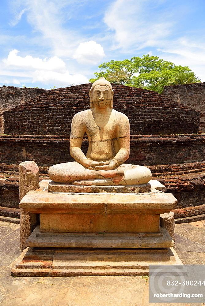 Ruin of a temple with moonstone and Buddha statue, Polonnaruwa, North Central Province Sri Lanka