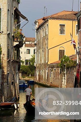 Gondola, Santa Croce district, Venice, UNESCO World Heritage Site, Venetia, Italy, Europe