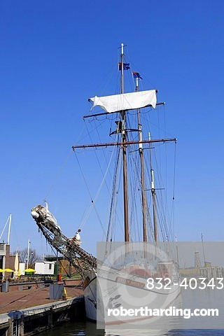 Sailing ship in the harbour, Enkhuizen, North Holland, Holland, Netherlands, Europe
