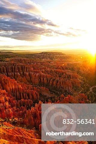 Sunrise, Inspiration Point, Bryce Canyon National Park, Utah, USA