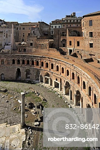 Trajan's Market with Tabernae or single room shops, Via Alessandrina, Via dei Fori Imperiali, Rome, Lazio, Italy, Europe