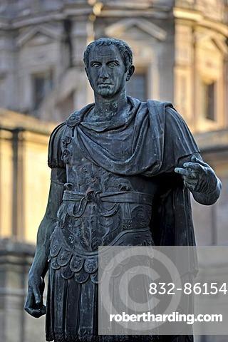 Bronze statue of the Roman Emperor Gaius Julius Caesar at Caesar's Forum, Via dei Fori Imperiali, Rome, Lazio, Italy, Europe
