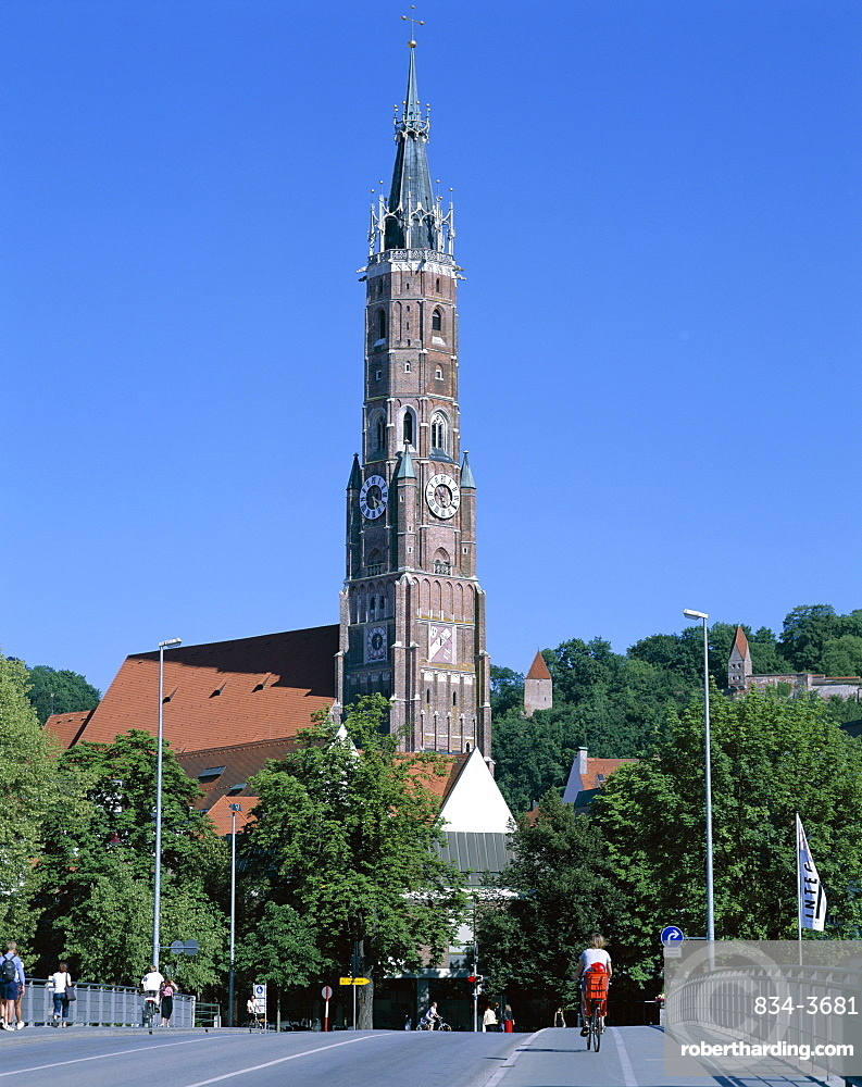 St. Martins Cathedral and Trausnitz Castle, Landshut, Bavaria, Germany, Europe