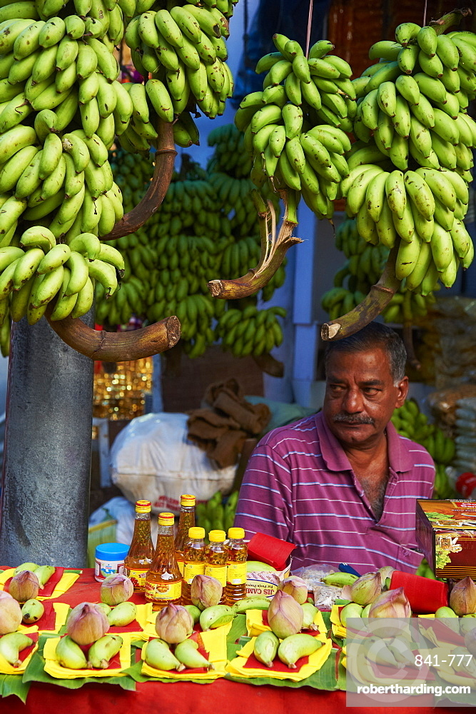Fruit market, Trivandrum (Thiruvananthapuram), Kerala, India, Asia